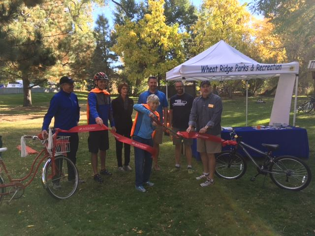 Mayor cuts ribbon at Kipling Trail